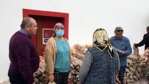 CHP FETHİYE İLÇE BAŞKANI MAHMET DEMİR 1000 ÇUVAL PATETES VESOĞAN DAĞITTI