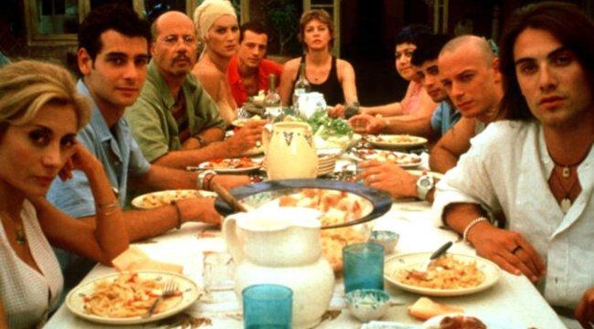 Ferzan Özpetek 20 yıl sonra 'Cahil Periler' filminin dizisini çekecek