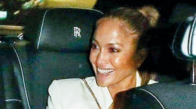 Jennifer Lopez hiç olmadığı kadar mutlu